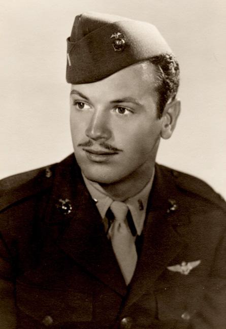Byron-Mayo-USMC-Pilot-1943